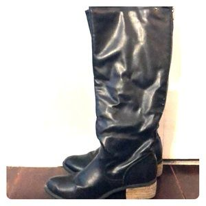 Black zip up boots size 6